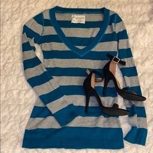 LIKE NEW Aeropostale blue and gray striped sweater